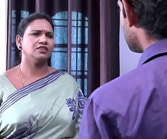 saree aunty seducing increased by flashing to TV set to rights boy .MOV