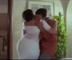 Hawt Aunty  and Servente Romantic Scenes    Tamil hot glamour scene