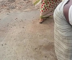 Desi Maid Surprising Figure and shaking ass!!!