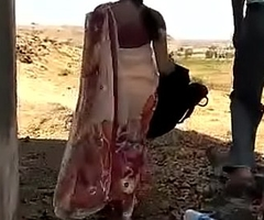 Desi Indian aunty shacking up outside